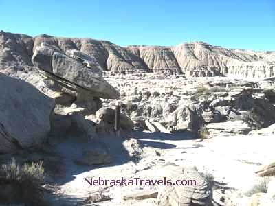 Toadstool Park Hiking Trail rock formations on top - Nebraska Badlands area